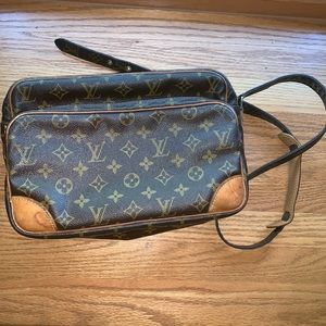 Authentic Nile Crossbody Louis Vuitton